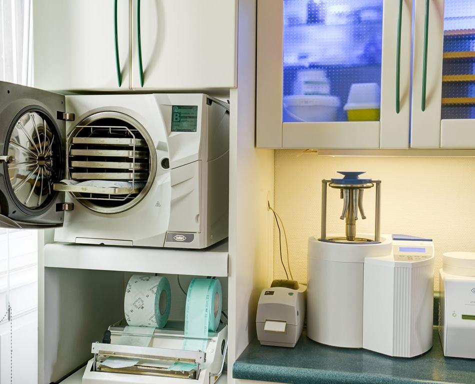 Salle de stélirisation Cabinet implant dentaire strasbourg Dr Boeschlin